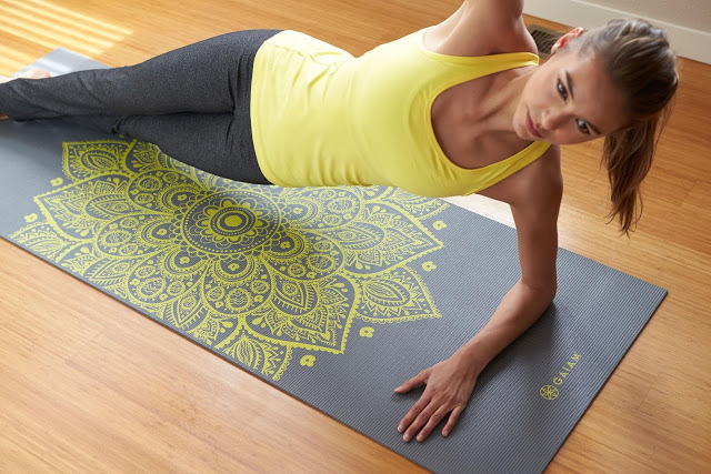 su-dung-tham-khi-tap-yoga