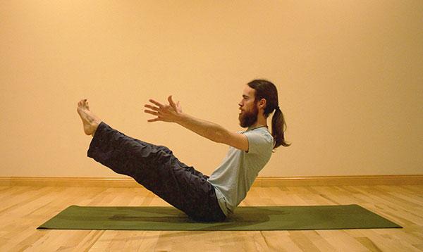 tu-the-yoga-con-thuyen