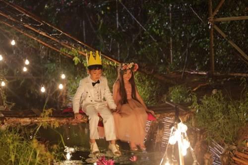 1 - Vợ chồng Phan Đinh Tùng già nua trong MV