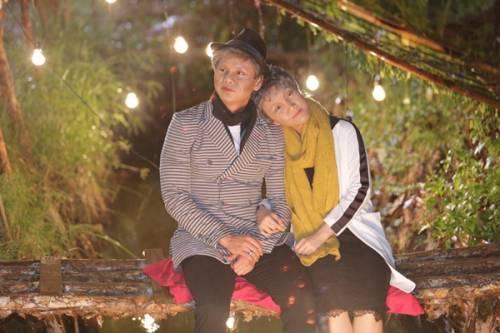 10 - Vợ chồng Phan Đinh Tùng già nua trong MV