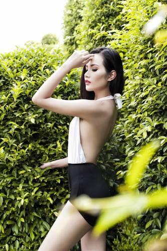 23 11 - Hoa hậu Diệu Linh khoe vẻ sexy với bikini một mảnh