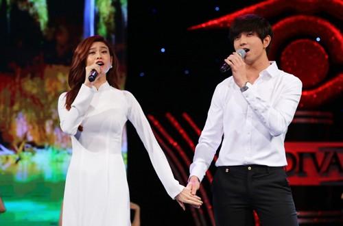 270be52421 500x330 - Lê Hoàng chê vợ chồng Tim - Trương Quỳnh Anh hát dở