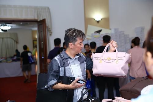 6 10 201523 34120345 7813 1444102860 - Mr Đàm, Đoan Trang chọn đồ tại tuần lễ hàng hiệu giảm giá