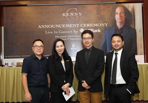 Ông Phan Lê Khôi (bìa trái), ông Trần Tuấn Việt (giữa) và ông Nguyễn Thùy Dương (bìa phải) là ba đại diện của ban tổ chức đêm nhạc Kenny G tại Việt Nam vào giữa tháng 10.