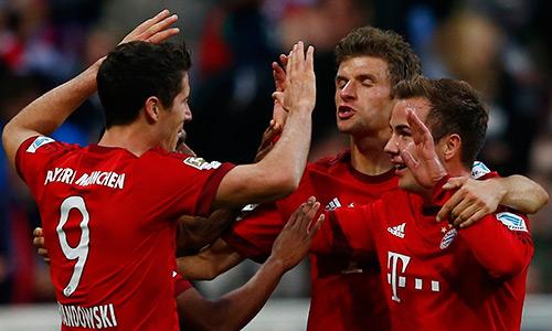 c7c143f78e - Lewandowski ghi 12 bàn trong 12 ngày, Bayern đè bẹp Dortmund