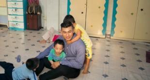 e33cee49c1 310x165 - Hồng Ân ra mắt đĩa mới ở mái ấm dành cho trẻ nhiễm HIV