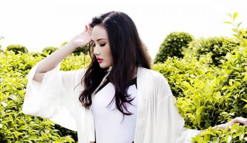 hoa hau dieu linh 1 - Hoa hậu Diệu Linh khoe vẻ sexy với bikini một mảnh