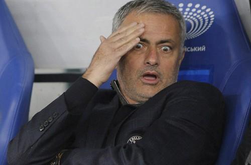 """mourinho1 500x330 - Mourinho như thể đang cầu xin để không bị """"bay ghế"""""""